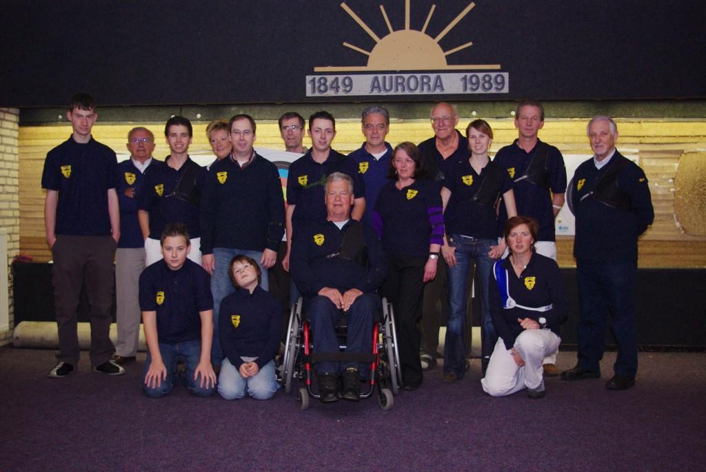 Onze club tijdens het koningschieten in 2009
